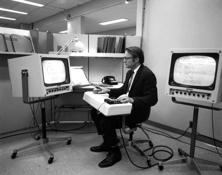 timeline_networking.web_1968.mother.demo_